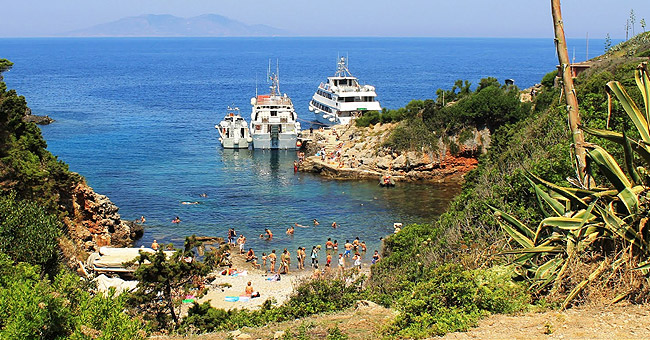 Italy yacht charter - Giannutri