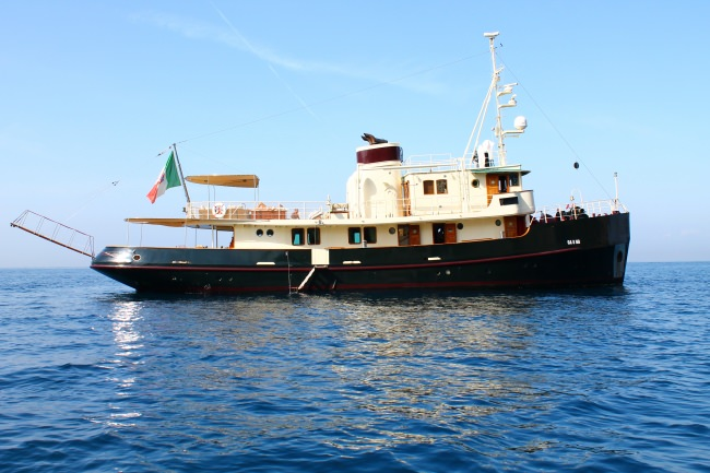 M/Y DP Monitor Yacht Charters in Italy